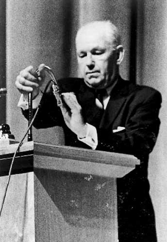 Robert Welch 1958 Speech Warning America of the Conspiracy to Overthrow the Nation