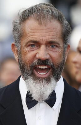 Mel Gibson : The banks are the devil, screw them